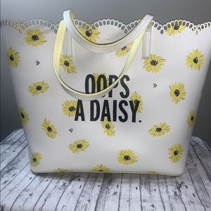 KATE SPADE DOWN THE RABBIT HOLE OOPS A DAISY TOTE